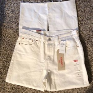 Levi's 710 of the 700 series size 29 white jeans